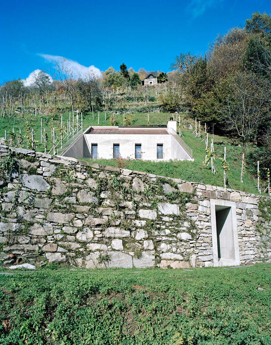 Underground House - The An­ti­thesis to a House on a Slope (5)