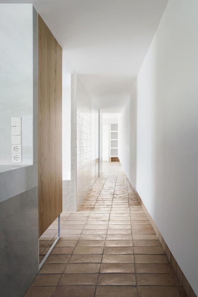 Vernacular Penthouse in Valencia, Spain 13