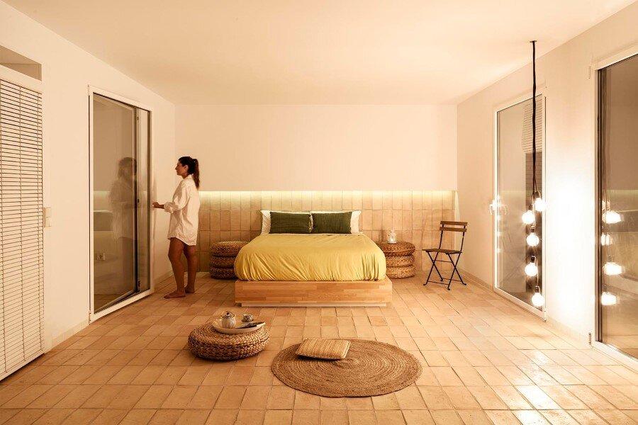 Vernacular Penthouse in Valencia, Spain (3)