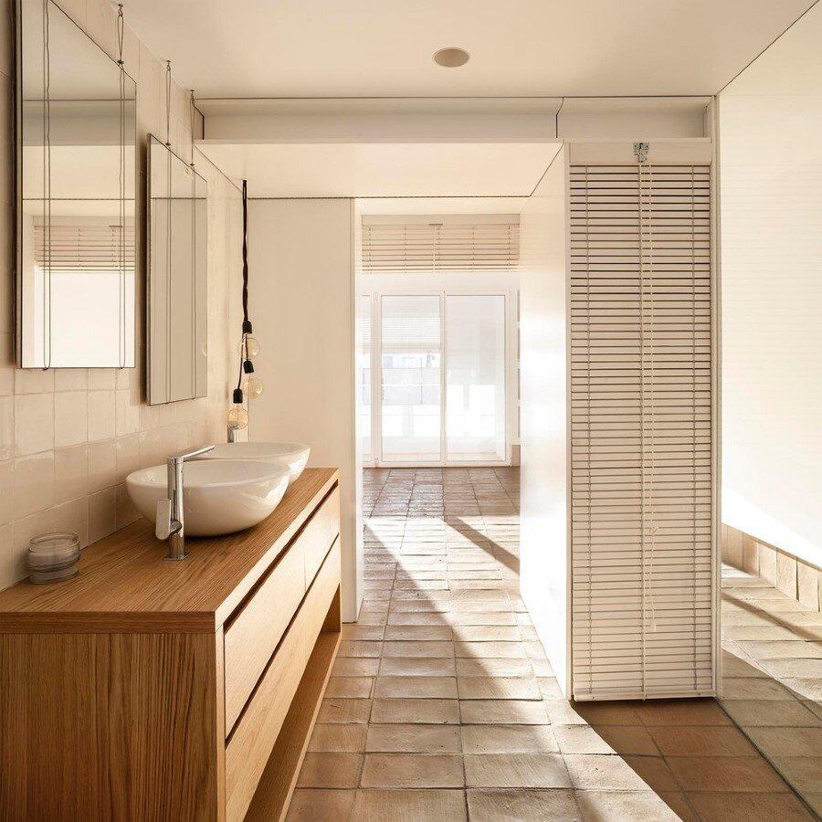 Vernacular Penthouse in Valencia, Spain (6)
