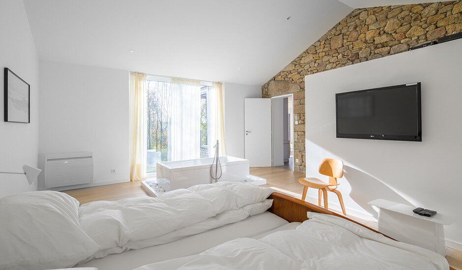 Chalet Concept 16th Century Stone Cottage Renovated by DGA-Architectes (6)