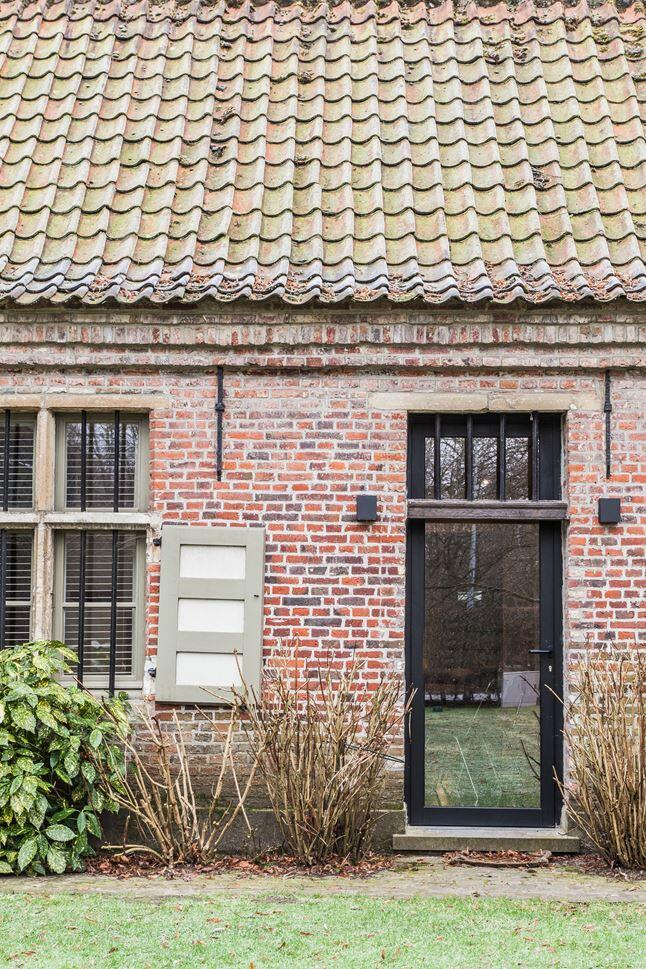 Old Farmhouse Renovation - The Perfect Balance Between Old and New (4)