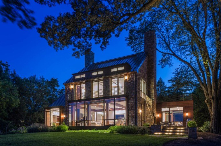 Alexandria Residence Evokes the Traditional Farmhouses