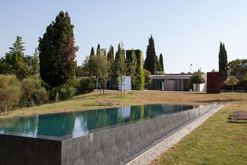 Art Hangar Modern Loft Built in the Middle of Tuscan Countryside (16)