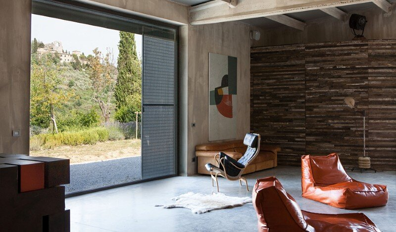 Art Hangar Modern Loft Built in the Middle of Tuscan Countryside (5)