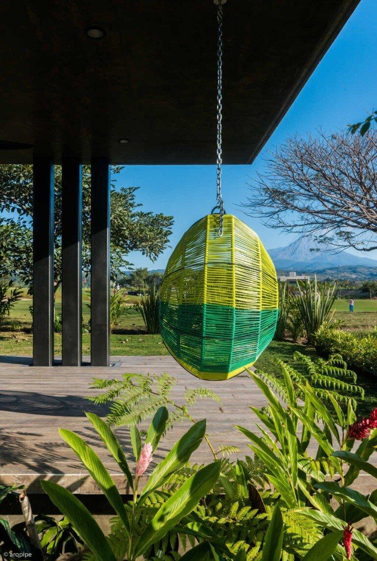 Casa Arbo in Mexico Enjoys Views of a Volcano (2)