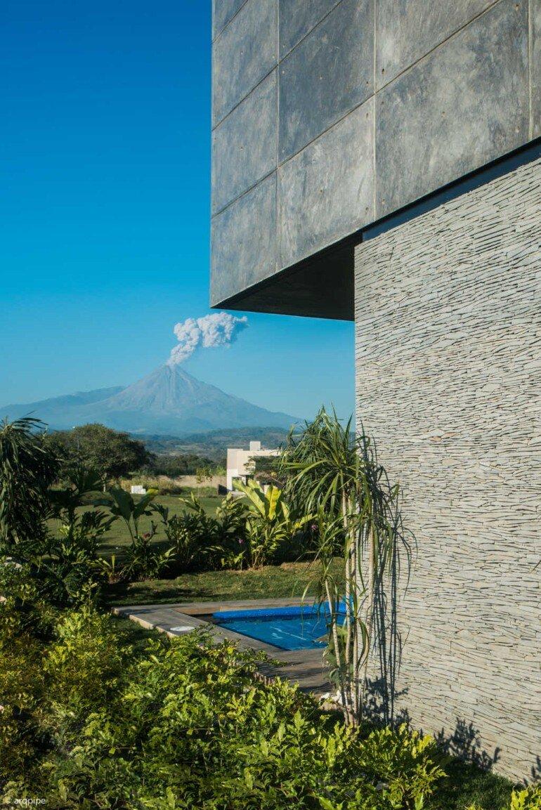 Casa Arbo in Mexico Enjoys Views of a Volcano (22)