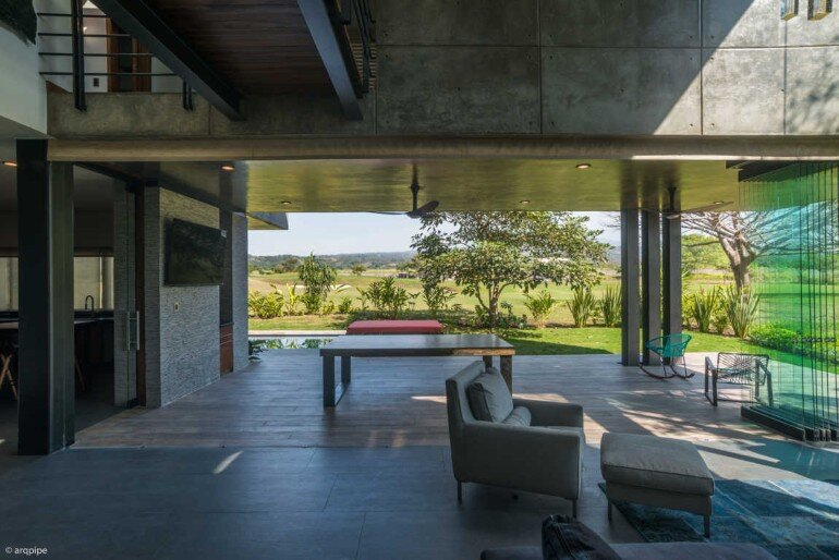 Casa Arbo in Mexico Enjoys Views of a Volcano (6)
