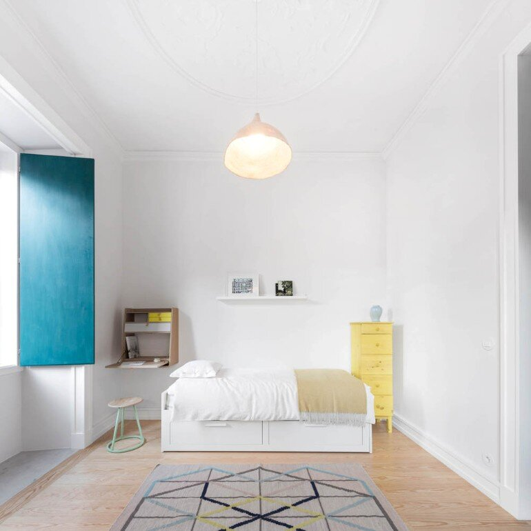 Chiado Apartment in Lisbon, Fala Studio (13)