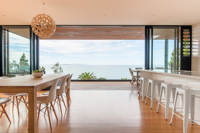 Family Coastal Home with Clean Modern Lines (2)