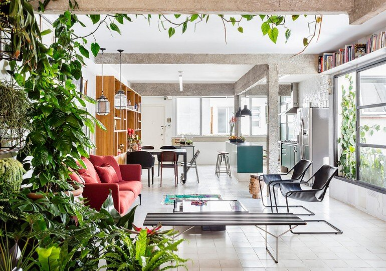Stylish Brazilian Flat Displaying an Inspiring Eclectic Design