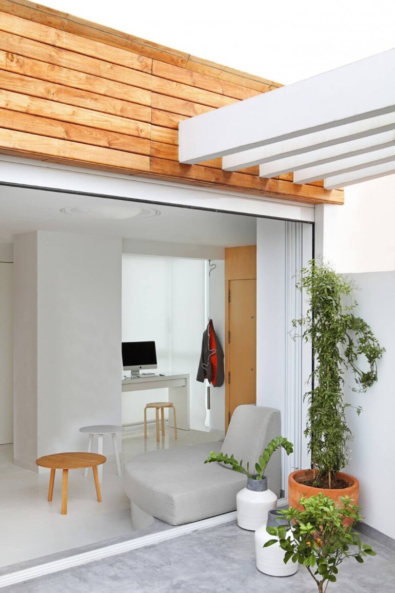 Valencia Penthouse Naturalness, Neutrality and Brightness (12)
