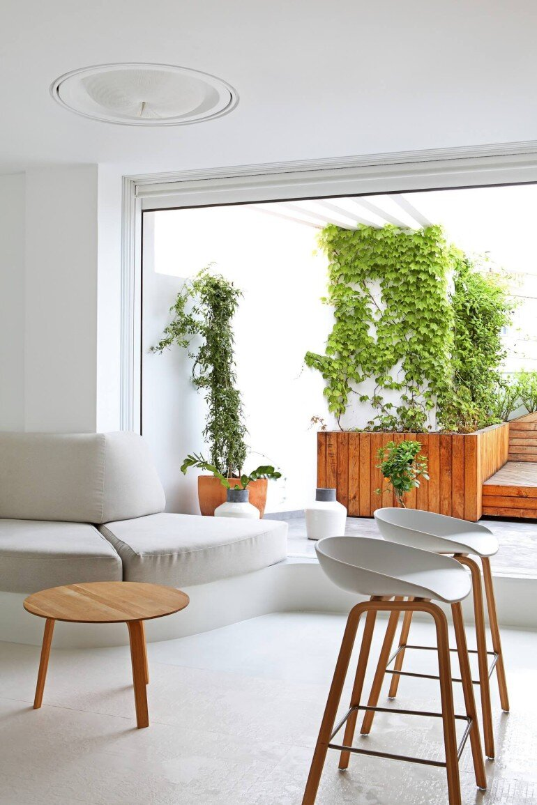 Valencia Penthouse Naturalness, Neutrality and Brightness (14)