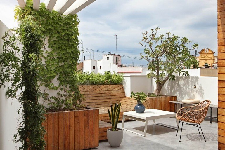 Valencia Penthouse Naturalness, Neutrality and Brightness (4)