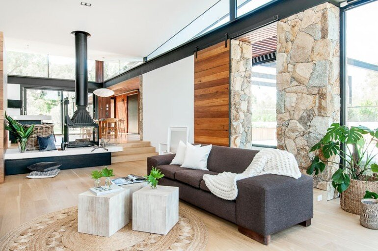 Warrandyte House – Rural Retreat Built Above A River