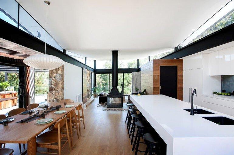 Warrandyte House - Rural Retreat Built Above A River (3)