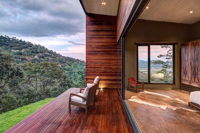Weekend Retreat on the Edge of a Mountain (21)