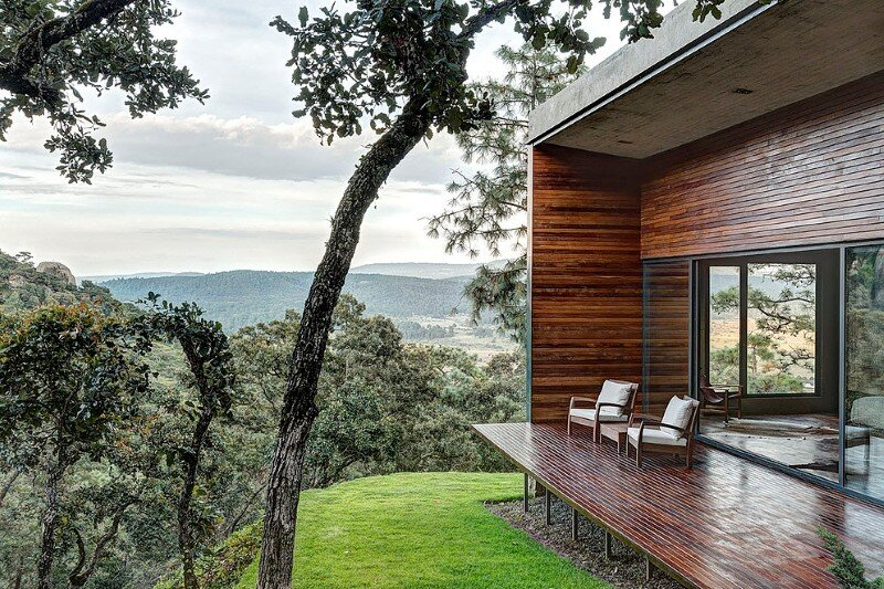 Weekend Retreat on the Edge of a Mountain (26)