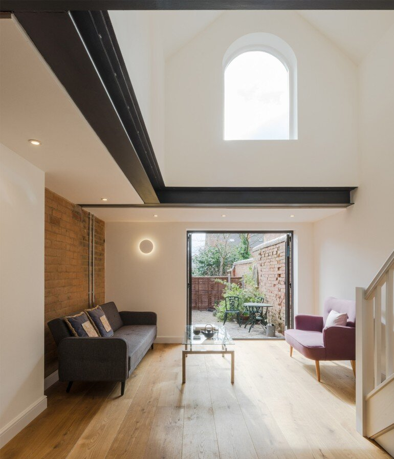 Writer's Coach House by Intervention Architecture (11)