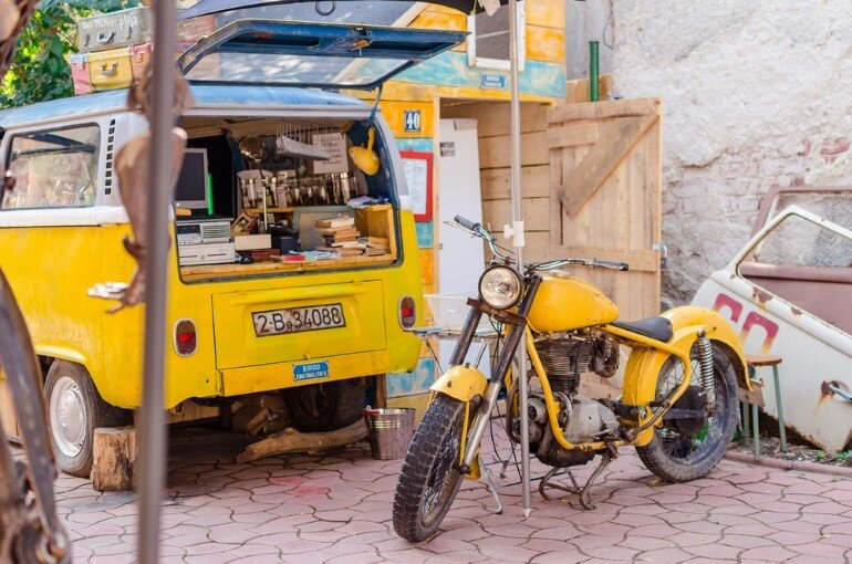 Acuarela Bistro is an Inviting Space for the Creative Community in Bucharest