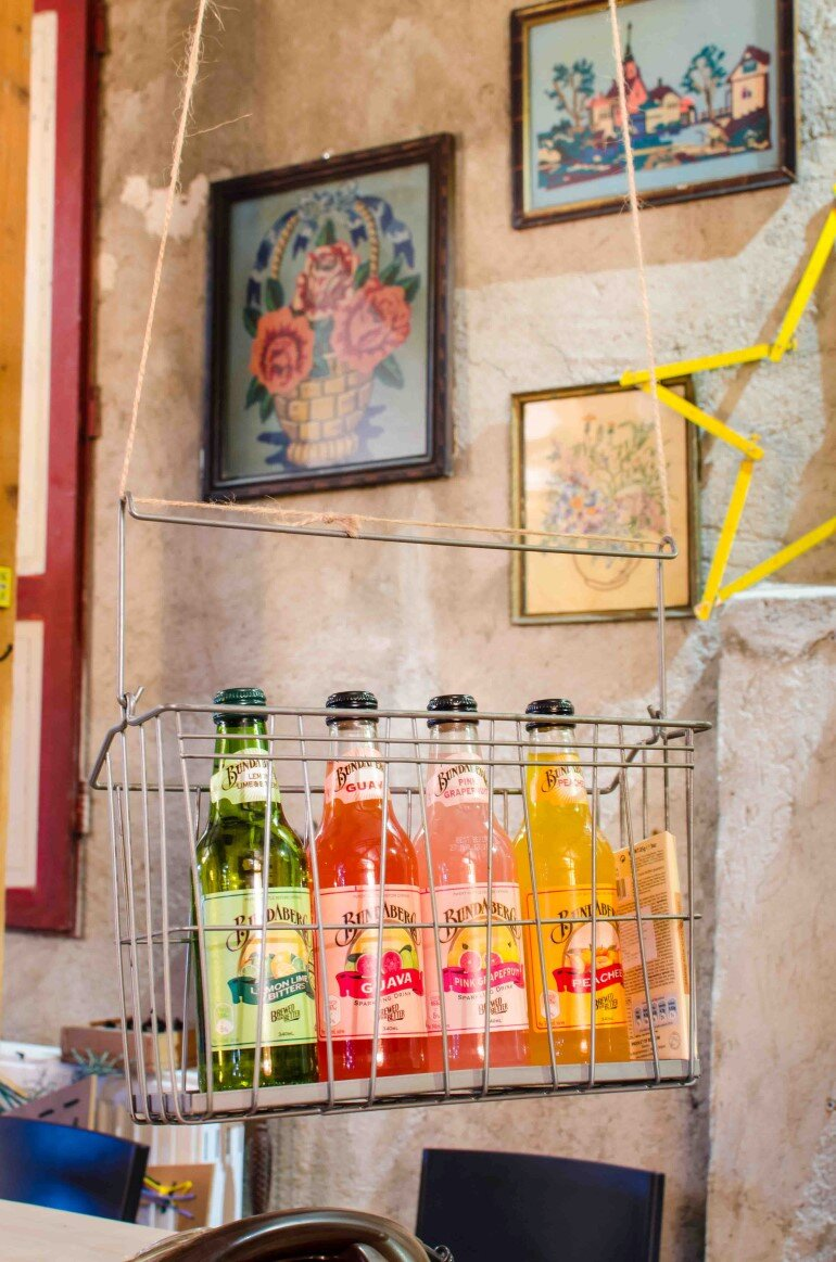 Acuarela Bistro is an Inviting Space for the Creative Community in Bucharest (20)