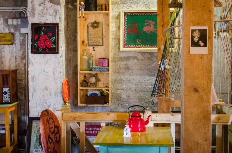 Acuarela Bistro is an Inviting Space for the Creative Community in Bucharest (21)