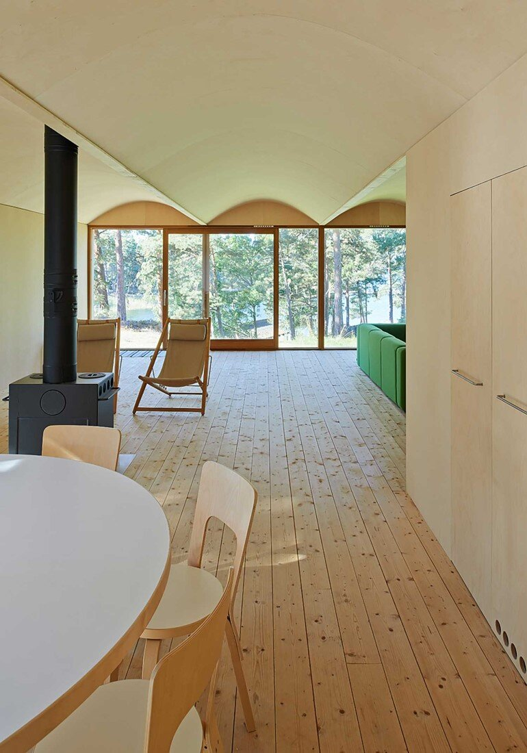 Classic Nordic Cabin - Husarö House by Tham & Videgård Arkitekter (10)