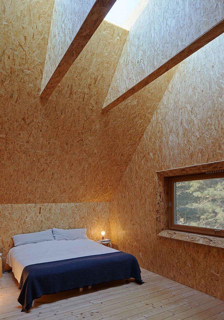 Classic Nordic Cabin - Husarö House by Tham & Videgård Arkitekter (11)
