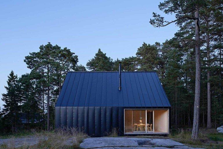 Classic Nordic Cabin - Husarö House by Tham & Videgård Arkitekter (2)