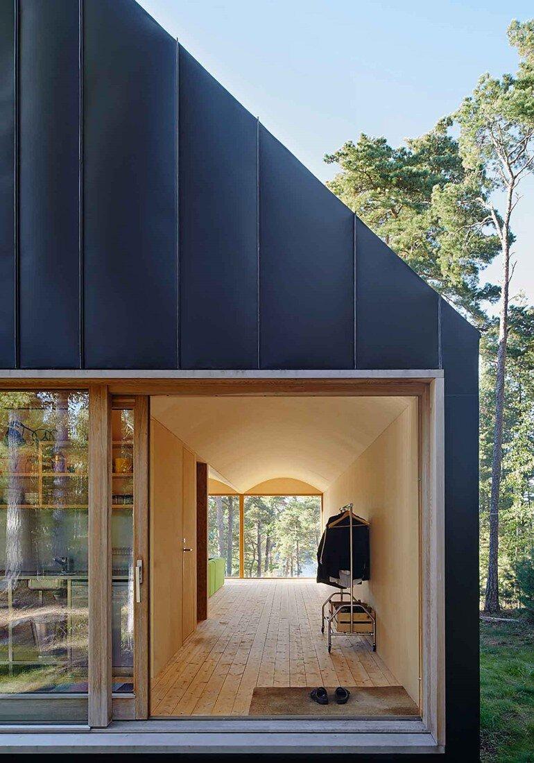 Classic Nordic Cabin - Husarö House by Tham & Videgård Arkitekter (7)