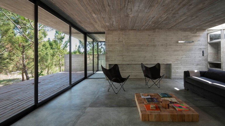 Concrete Holiday Retreat in Argentina by Luciano Kruk (12)