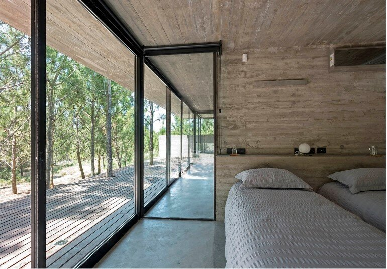 Concrete Holiday Retreat in Argentina by Luciano Kruk (16)