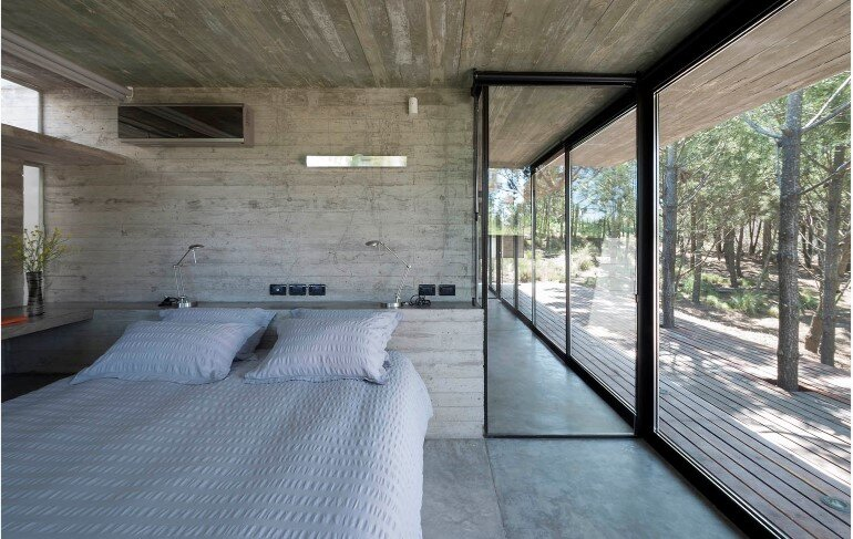 Concrete Holiday Retreat in Argentina by Luciano Kruk (18)
