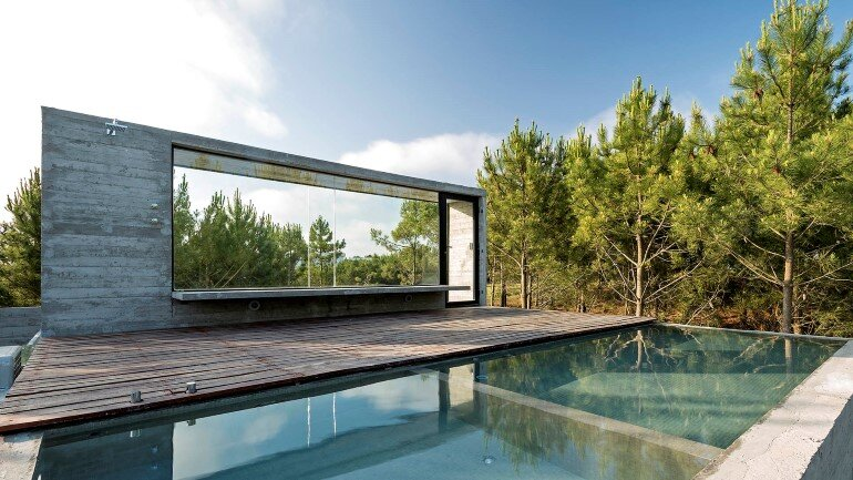 Concrete Holiday Retreat in Argentina by Luciano Kruk (22)