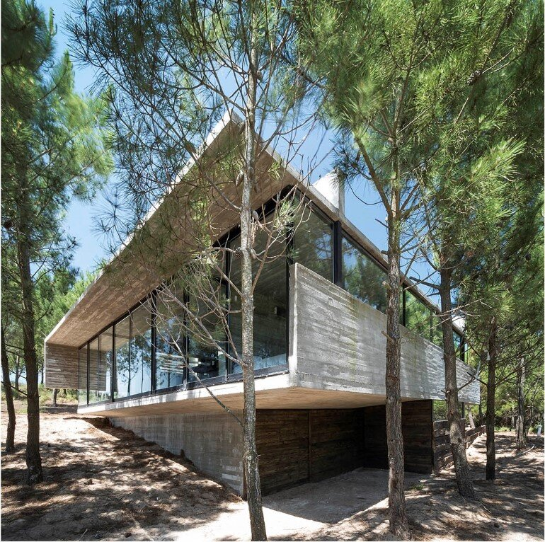Concrete Holiday Retreat in Argentina by Luciano Kruk (26)