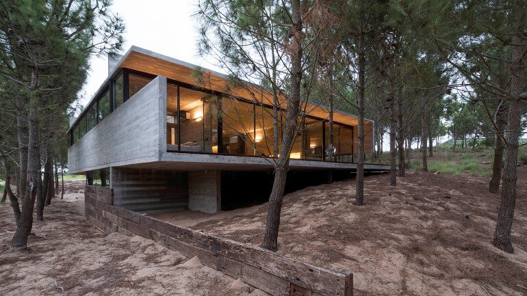 Concrete Holiday Retreat in Argentina by Luciano Kruk (30)