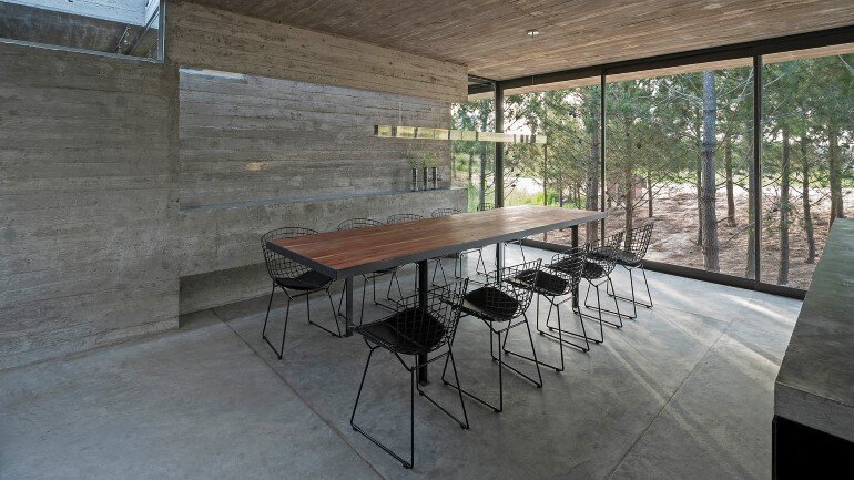 Concrete Holiday Retreat in Argentina by Luciano Kruk (9)