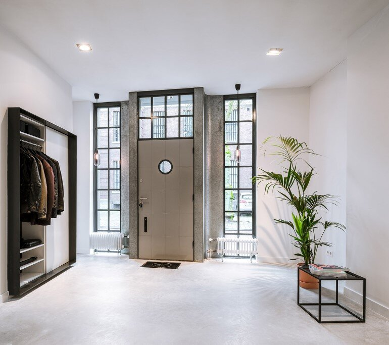 EVA Architecten have transformed an old workshop into a charming apartment (11)