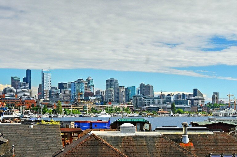 Floating Home - Seattle Houseboat with Views of Downtown (12)