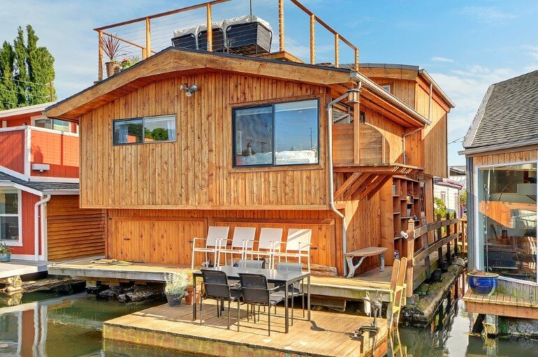 Floating Home - Seattle Houseboat with Views of Downtown (13)