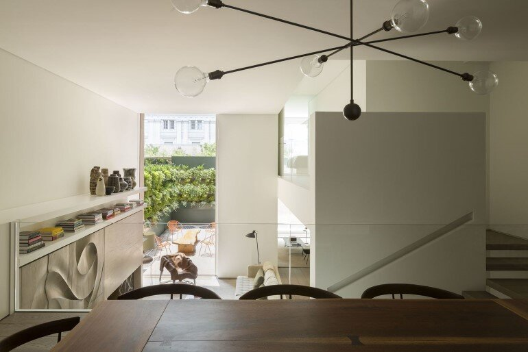Ground Floor Apartment Turned into a House in the Middle of Manhattan (12)