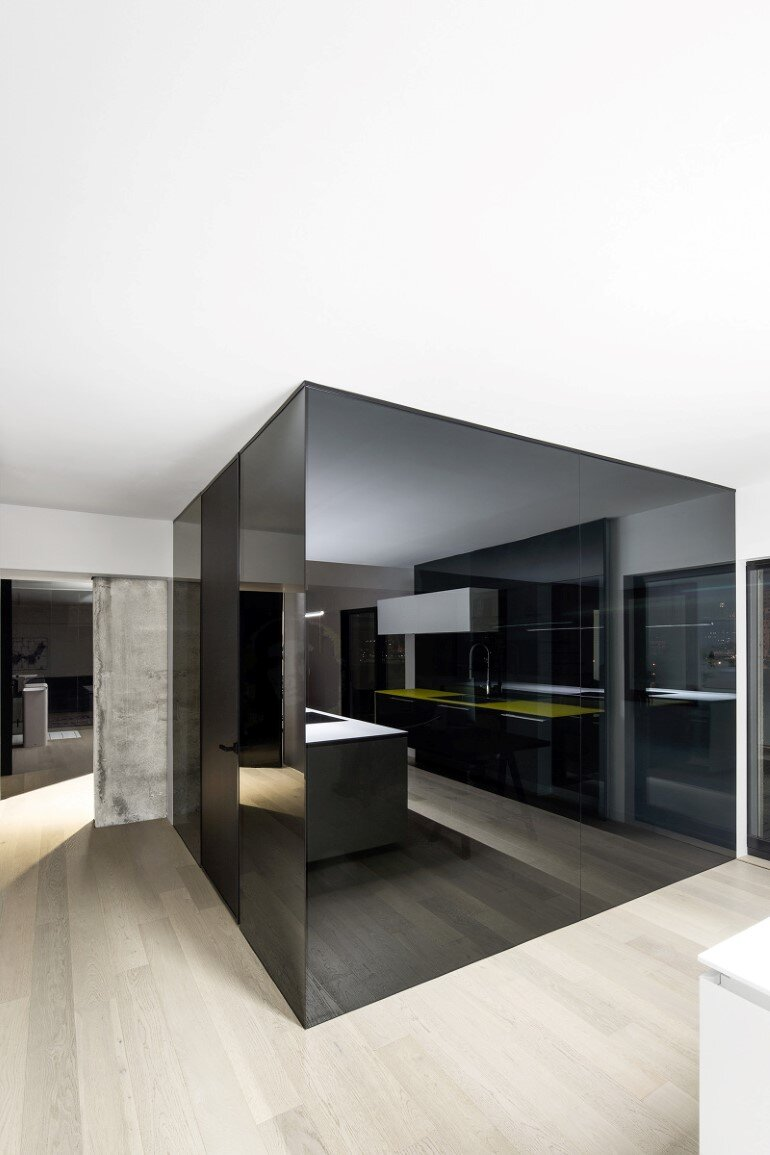 Habitat 67 minimalist apartment design in montreal for Minimalist apartment design