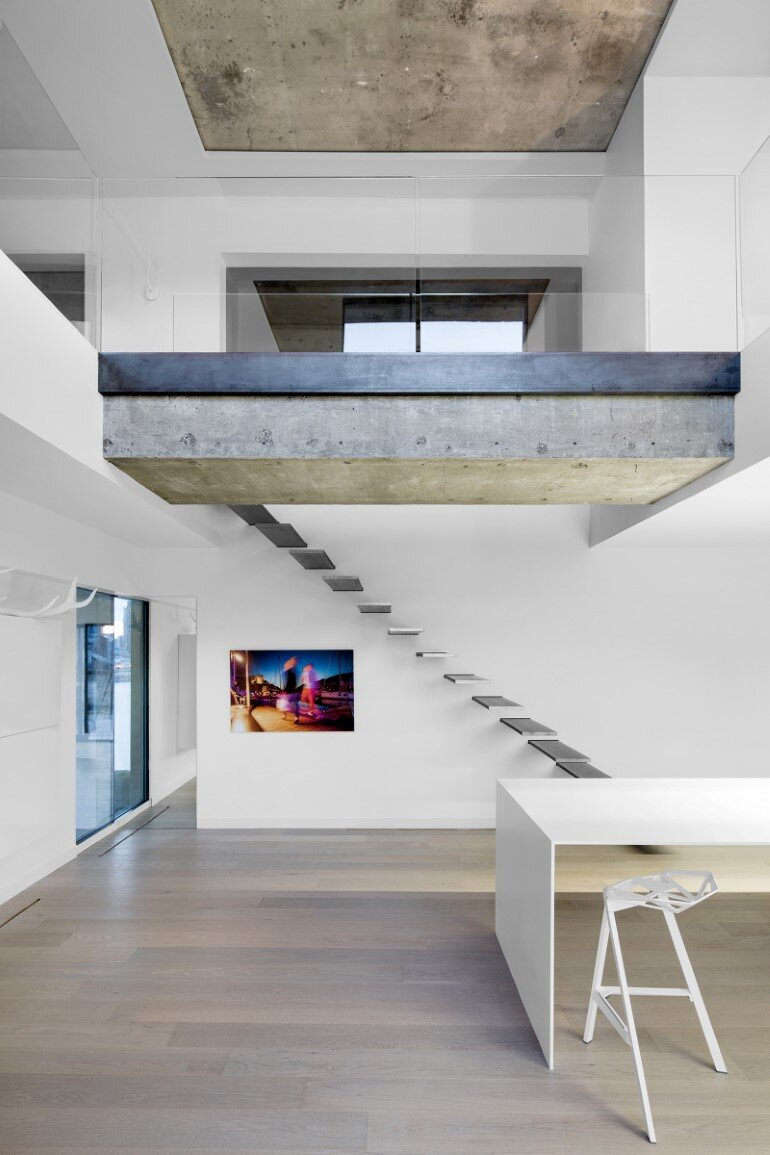 Habitat 67 - Minimalist Apartment Design in Montreal (9)