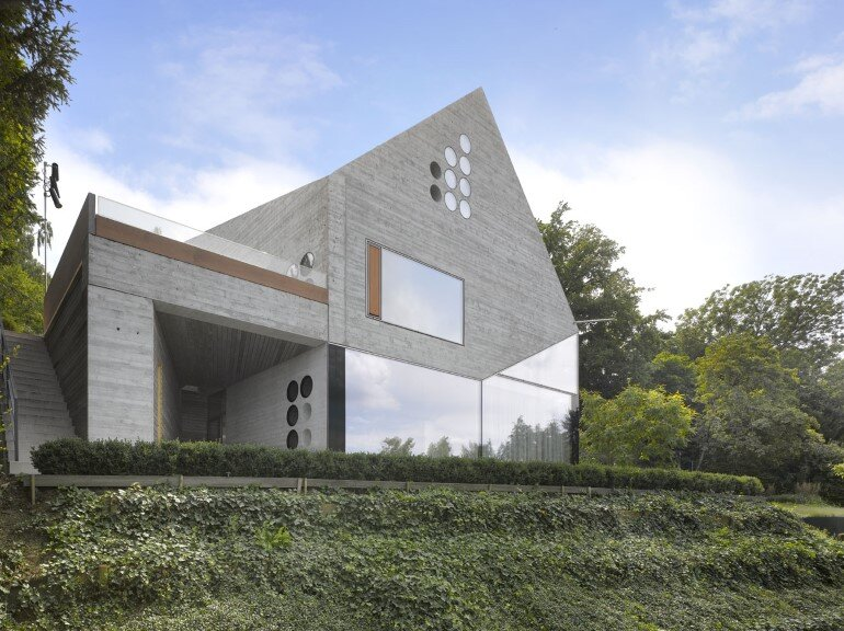 House 36 is Shaped like a Mountain Crystal Stuttgart (6)