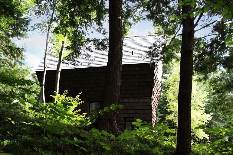 La Colombière Is A Refuge Perched In The Forest Reminding Us Of Bird Huts (10)