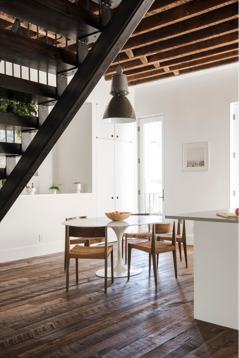 Lorimer Street Townhouse - Loft Home for a Family of Four (4)