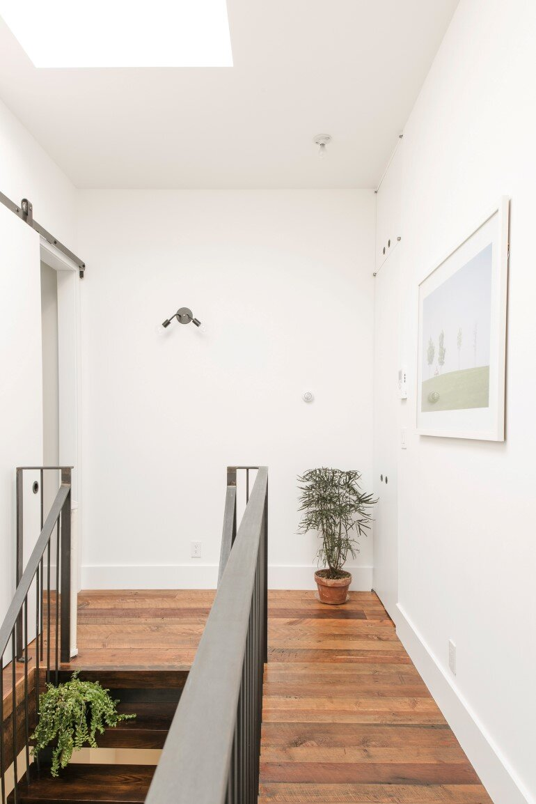 Lorimer Street Townhouse - Loft Home for a Family of Four (8)