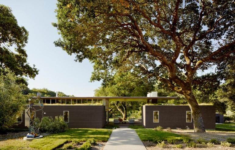Net-Zero House Designed for OutdoorIndoor Summer Living - Sonoma Residence (1)