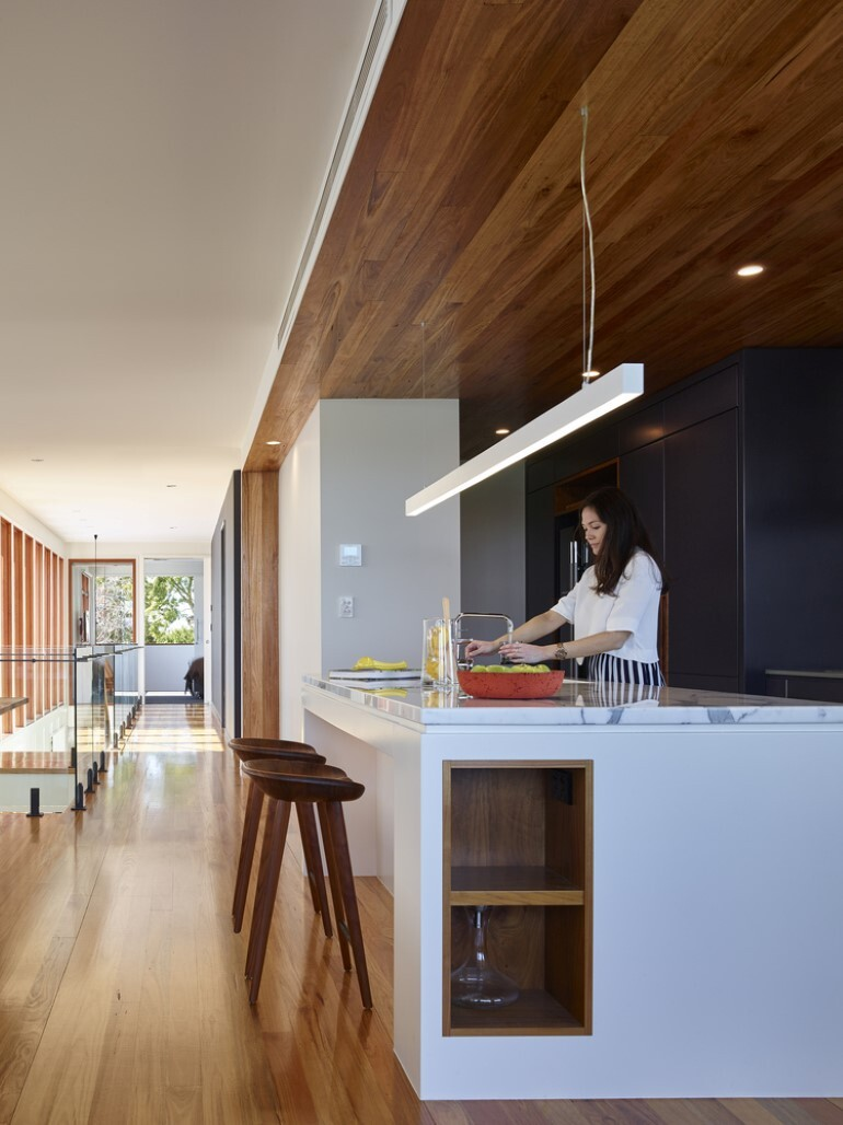 Nundah House Has Simple Forms Balanced with Contrasting Colours 3