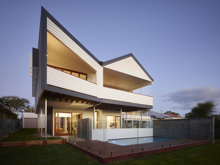 Nundah House Has Simple Forms Balanced with Contrasting Colours 1